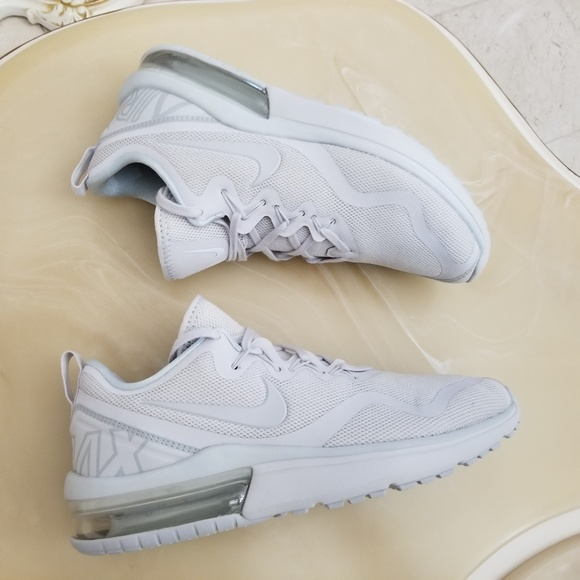 3bebb684bd075c Nike Air Max Fury Explorer Women s Running Shoes. M 5a5cf98305f430d1191387bc